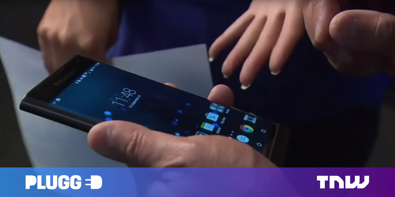 Watch BlackBerry's CEO struggle to use his company's Android phone