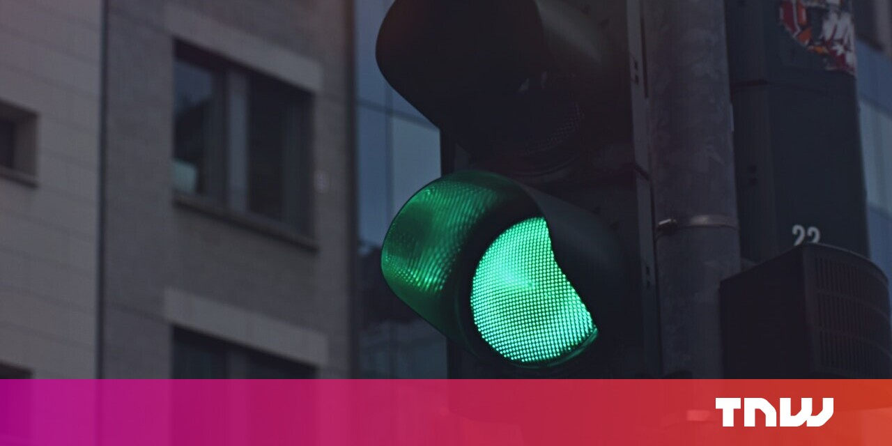 Google is experimenting with showing traffic lights in Maps