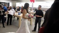 Couple Marry in Apple Store, Fake Steve Jobs Officiates