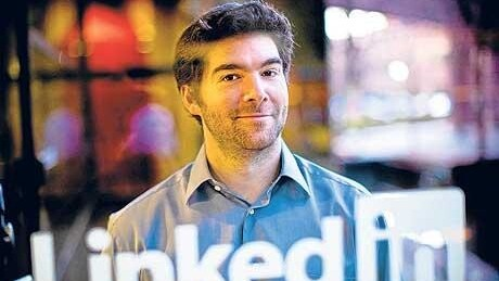 """LinkedIn's Twitter upgrade may be that """"light bulb"""" moment for a new generation of Tweeters"""