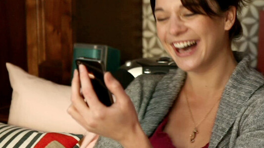 Video: iPhone 4 Commercial (Directed by American Beauty Director Sam Mendes)
