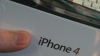 iPhone 4 Being Delivered a Day Early in the UK?