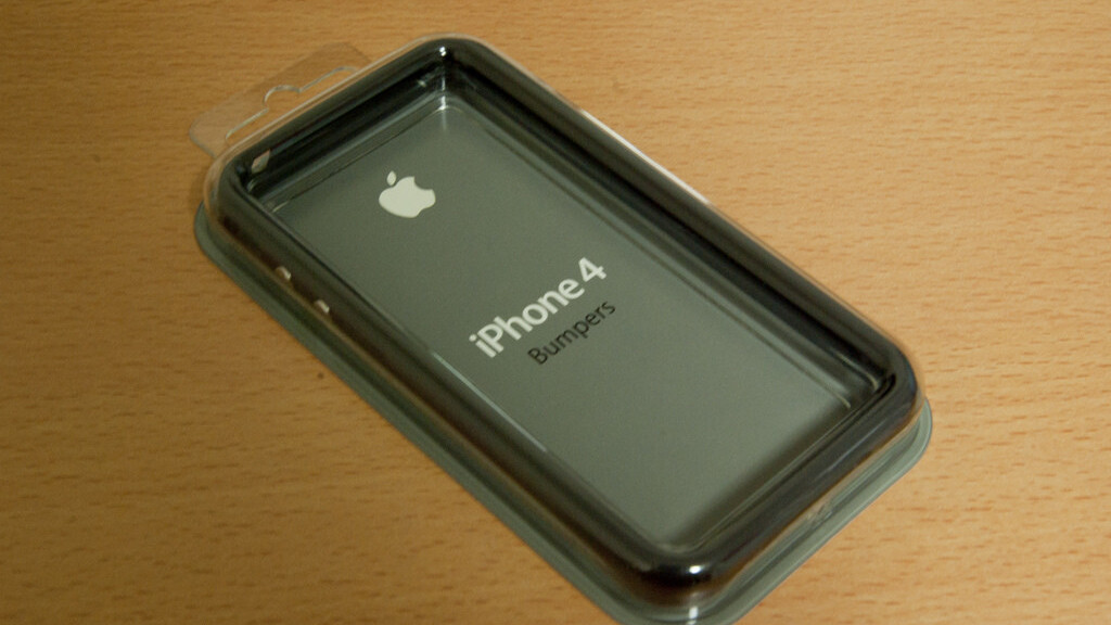 Apple Begins Automatically Refunding iPhone 4 Bumper Purchases
