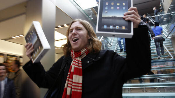 Analyst: Apple will sell 100 million iPads by the end of 2012