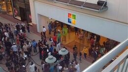 Microsoft Should Totally Pull Off An Apple For Windows Phone 7 Launch