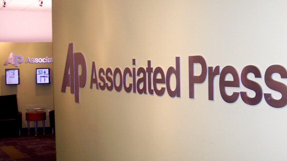 AP Begins Crediting Bloggers as News Sources
