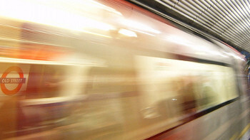 """London Mayor """"Bashes heads together"""" over Tube mobile signal deal"""