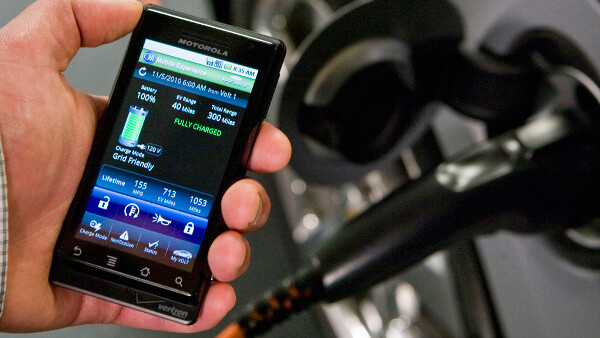 OnStar and GM release iPhone and Android apps to control, monitor 2011 car models