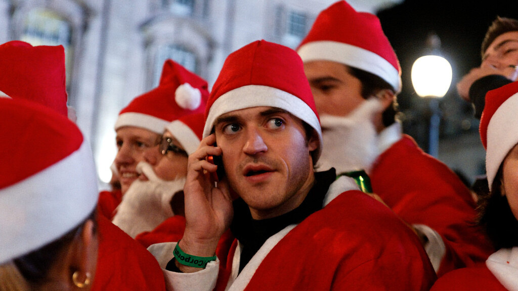 This year, one in ten Brits will do their Christmas shopping via their mobile