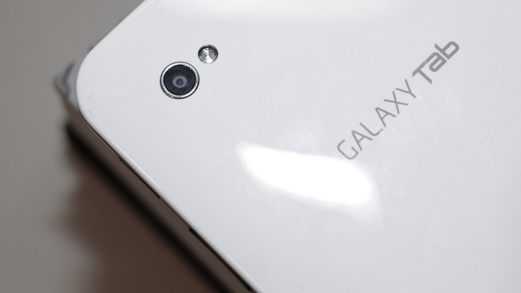 Samsung Sells 600,000 Galaxy Tab Devices At Launch