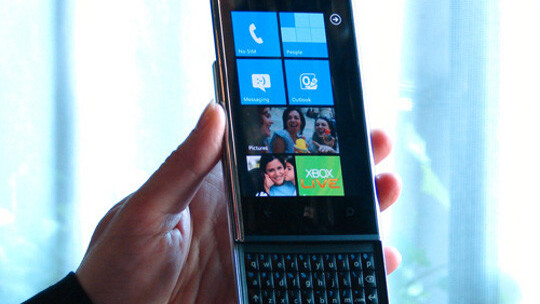 Dell to switch 25,000 employees from BlackBerrys to its own handsets