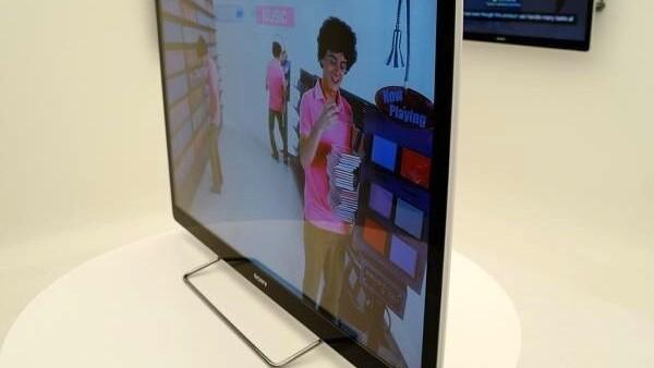Google releases its super-slick, Android-based Google TV remote