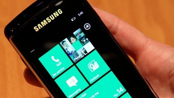 Microsoft promises to pay mobile developers early while boasting about WP7 momentum