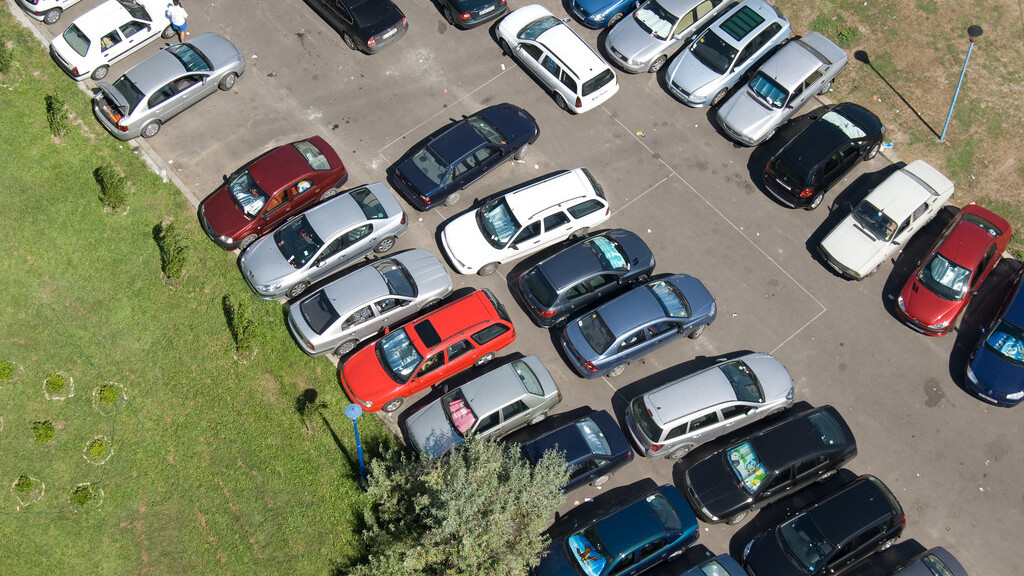 Parking Aid for iPhone: No lost cars, no parking tickets