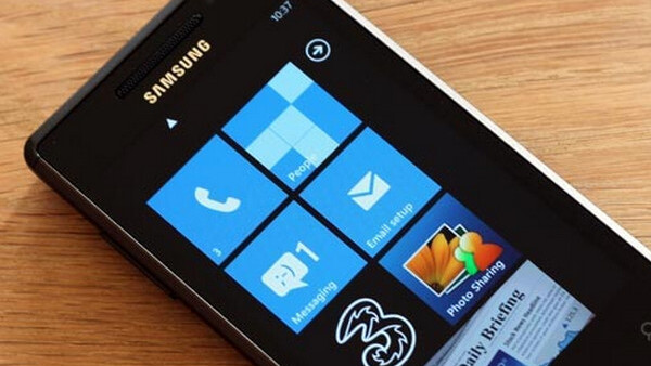 The first CDMA Windows Phone 7 handsets to launch are the Samsung Omnia 7 and HTC Mozart
