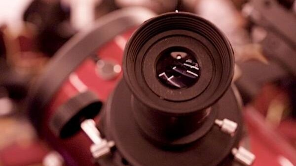 CES 2011: A telescope that let's you see thousands of years into the past