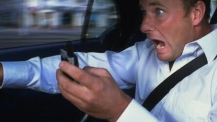 Waze launches real-time voice alerts to help drivers avoid hazardous roads