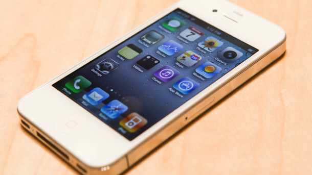 White iPhone gets its own Best Buy shelf space