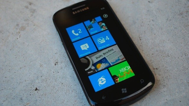 Microsoft fighting to convert developers to WP7