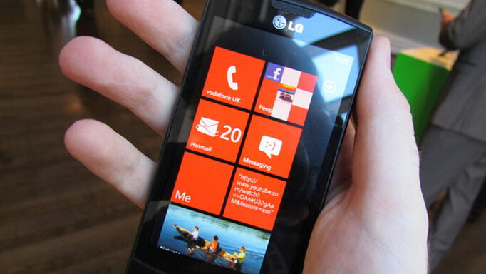 WP7 ads handing out magnetic Live Tiles all over Montreal