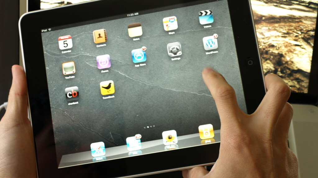 T-Mobile offers first-generation iPad for £49 on Groupon