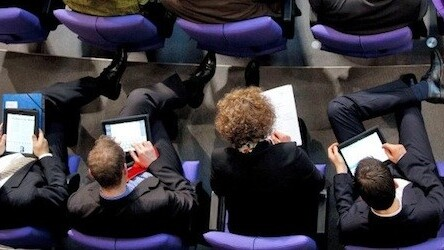 MP becomes first to use iPad in British Parliament