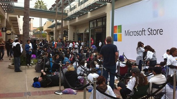 Microsoft to open new stores in Los Angeles, Houston