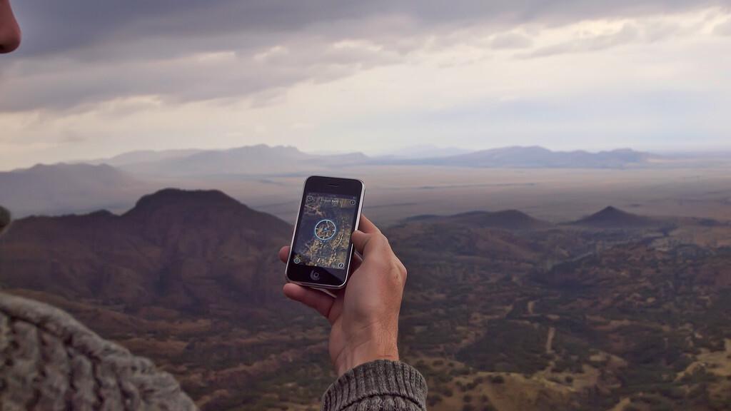 "Steve Jobs breaks silence on iOS location issue, says ""we don't track anyone"""