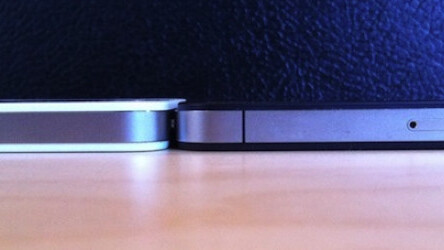 White iPhone 4 slightly thicker than black iPhone 4