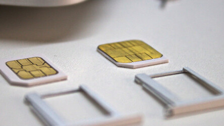 Apple developing smaller SIM card for thinner future iPhones?