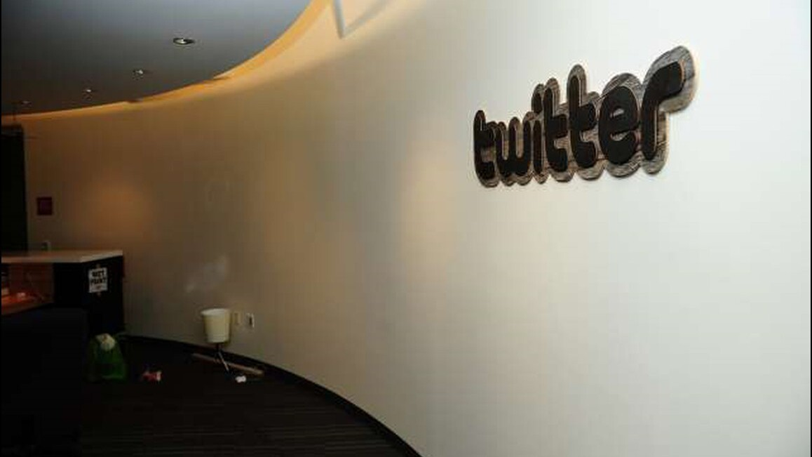 Twitter disables Status query strings, old Twitter website buttons begin to break