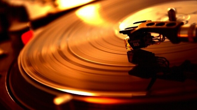 """Awesomes.fm shows every song you've """"Awesomed"""" on Turntable"""