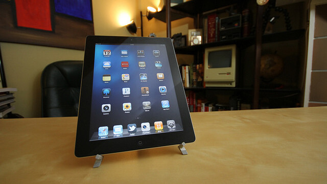 Apple's iPad remains dominant as Windows tablets outsell the PlayBook