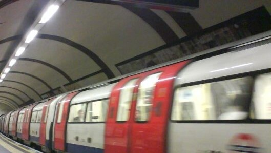TubeTap app lets delayed London commuters claim refunds automatically