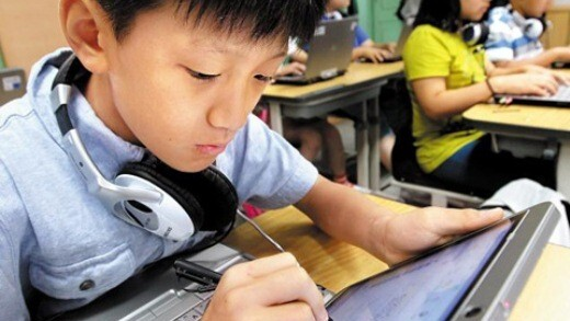 South Korean Schools to Replace All Textbooks with Tablets