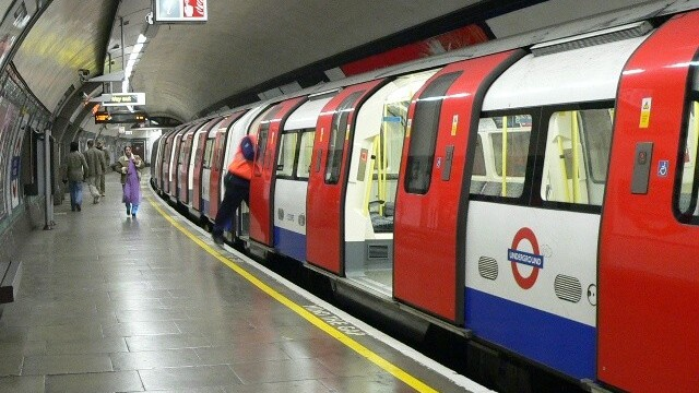 Google Maps now gives public transport directions in London