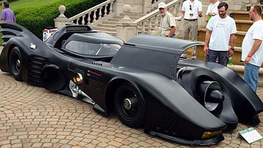 Here's a real geek's car: a fan-made, turbine-powered Batmobile.