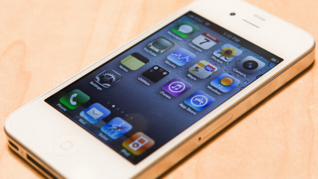 Apple snags first place in global smartphone shipments