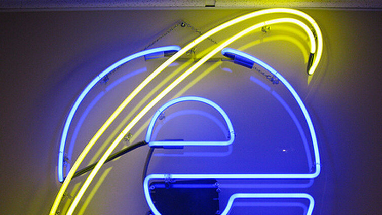 Run Internet Explorer 10 using Internet Explorer 9's UI