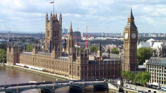 UK government sets a date for riot talks with Facebook, Twitter and RIM