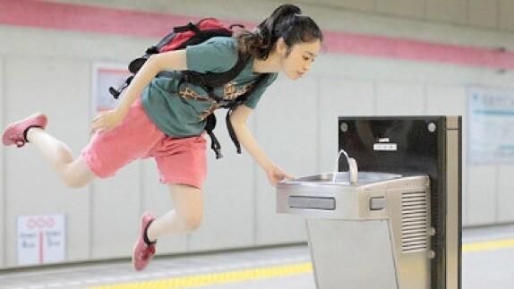 Japanese girl's incredible 'levitation' photos