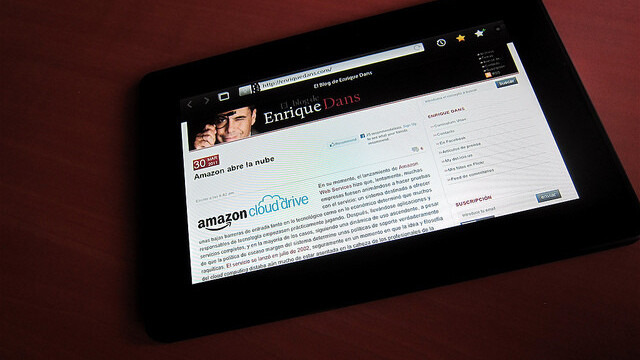 BlackBerry PlayBook manufacturer forced to cut output, layoff workers