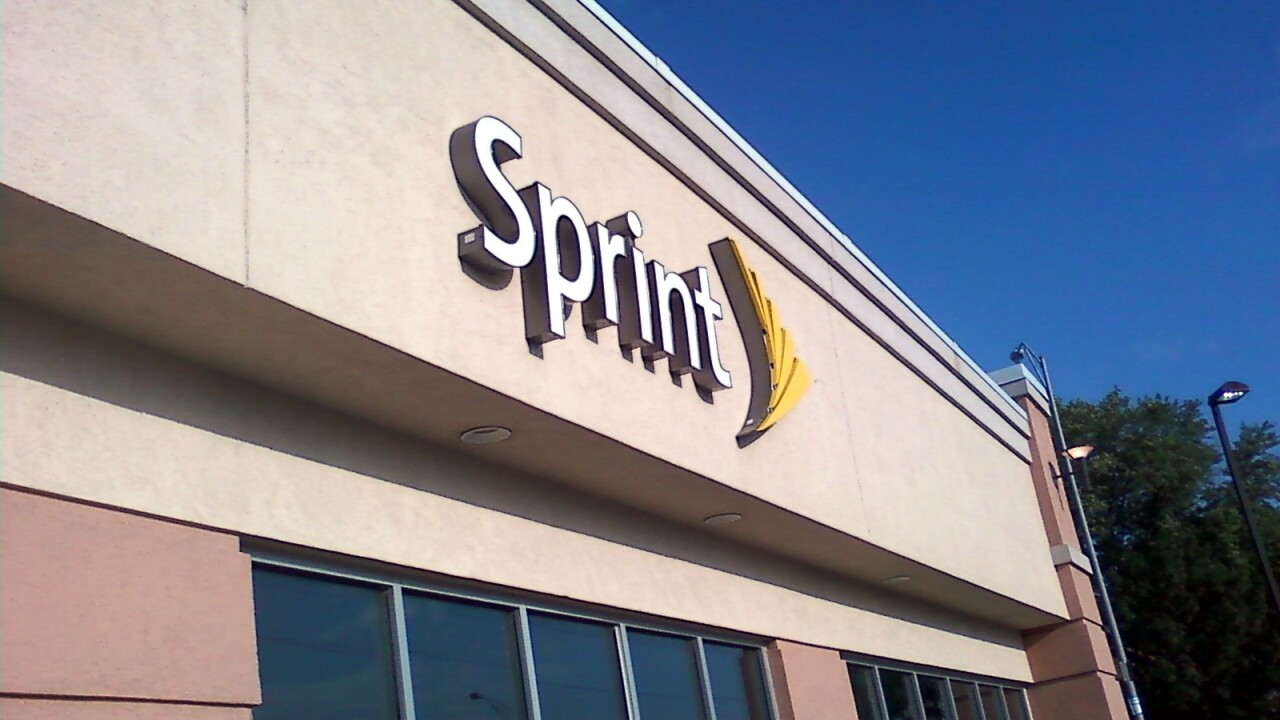 Sprint image appears on Apple's website, confirms it as an iPhone carrier