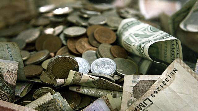 Online banking alternative BankSimple to go live next month