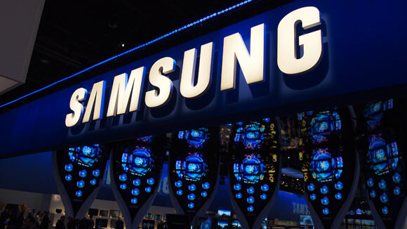 Samsung: Smartphones with flexible screens coming early next year