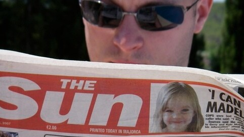 Murdoch's Sun newspaper reportedly shuns paywall in favor of paid mobile apps and ads