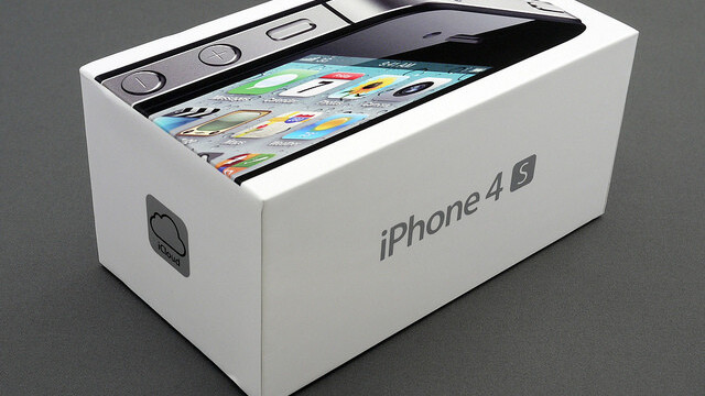 Consumer Reports recommends the iPhone 4S, still not sold on the iPhone 4