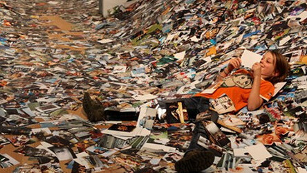 This is what a gallery full of 24 hours worth of Flickr photos looks like