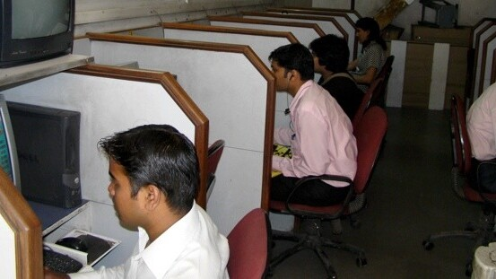 Internet users exceed 100 million in India; mobile net usage still in infancy