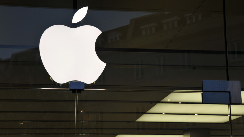 Apple kicks security researcher out of App Store after iOS vulnerability discovered